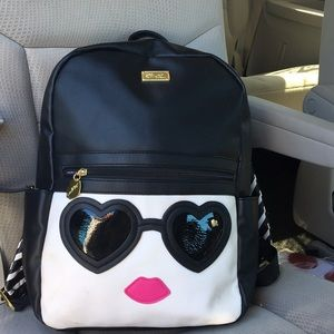 Betsey Johnson backpack 🕶 sunglasses & lips 👄